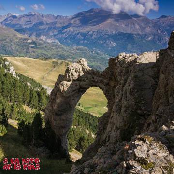 Arco e Ibón de Piedrafita