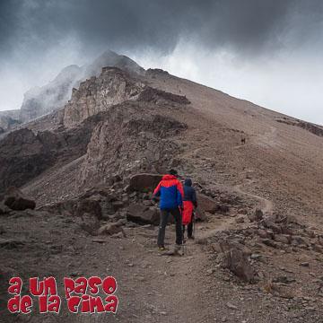 Cerro Plomo: Andarivel Las Águilas – Laguna de Piuquenes – Cerro Mirador – Falsa Parva